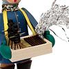 街角のおもちゃ屋さん:左は煙突掃除のプラム人形