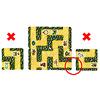 カードラビリンス:置けない場合の例。左:道が1本もつながっていない。右:途中で切れる道がある。