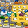 ねずみの競争:青い椅子を踏み台にして、いざテーブルの上へ!