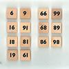 コンプレット 日本語版:上下を逆にして異なる数字にすることができるのがスパイスになっている。