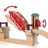 リフティングブリッジ:赤いハンドルを回すと、橋が上がります。