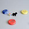 子やぎのかくれんぼ:小さい子と遊ぶ場合は、3色サイコロを使い、皿を3色に減らします。