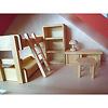 バウアー社の人形の家:ドライ・ブレッター社の子ども部屋セットを2階に置いた例