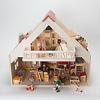 RKドールハウス バルコニー付(白木):屋根を2枚とも取り外すと、中に手を入れられるので遊びやすい。(人形や家具などの小物は別売です。以下同)